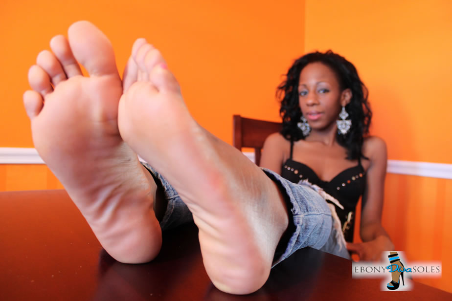 ebony diva soles Osa lovely