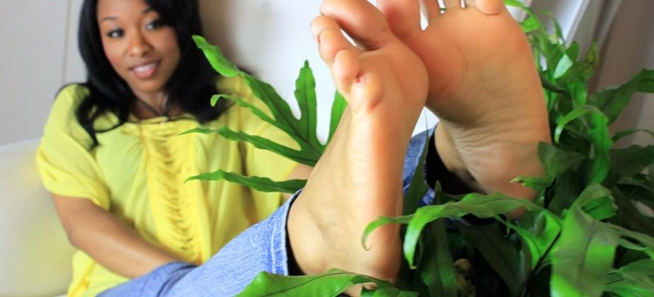 Amateur Teen Self Foot Worship